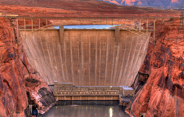 Glen Canyon Bridge & Dam, Page, Arizona, by flickr user Thaddeus Roan under CC-BY 2.0